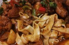 沙特能吃到的最正宗的中餐,强烈推荐麻辣烤鱼,酸菜鱼,大盘鸡,水煮牛肉,还有剁椒米线,牛肉面,馄饨,煎