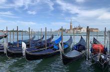 威尼斯(Venice)是意大利东北部著名的旅游与工业城市,也是威尼托地区的首府。威尼斯曾经是威尼斯共