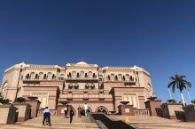 阿布扎比一日游,皇宫、法拉利世界和大清真寺