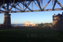 给你们来点不一样的、一般人看到的海港全貌、我看到的桥洞