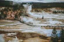 黄石国家公园——全世界第一个国家公园 电影《2012》拍摄取景点,但是电影所说的火山是千真万确的,据