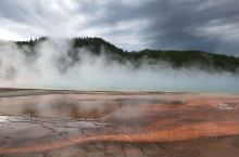 奇彩异色的温泉