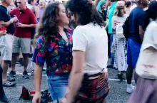 音乐节,两个小姐姐嗨爆全场