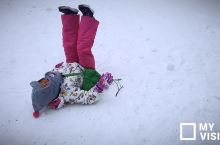 日本新穗高,小众地方,雪超大,小人从汪汪队学了咕咕鸡的姿势,见雪就躺非常喜感