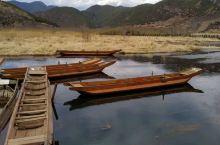 这次前往泸沽湖景区是从四川进云南出的线路,在这里领略到女儿国的风情和习俗,也看到了蓝得晶莹剔透般的湖