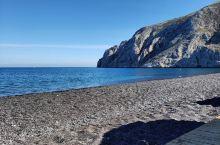 黑色的诱惑—卡玛利黑沙滩     别样的沙滩  黑色的沙滩和黑色的大海,融成了一片独有的风景线。这就