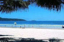 台山下川岛王府洲旅游区,有很美的椰林和沙滩。海趣别墅酒店,一个可以观海的半山别墅群,适合家庭出游,团