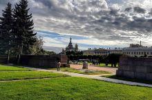 俄罗斯最古老的广场一定要来游览   这个广场是我见过最空旷的,我和闺蜜到这里的时候还以为来到了一个寂
