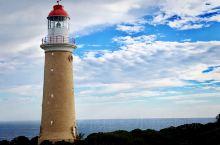库艾迪克角灯塔 Cape du Couedic Lighthouse,也称天涯海角灯塔,坐落于袋鼠岛