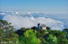#巴拿山,唯美、浪漫的天堂#  梦幻的云海,古典的城堡,唯美的花园……这里有各种各样浪漫的气息。
