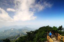 """您需要知道的""""罗田大别山薄刀峰"""": 在这里,没有雾霾,没有PM2.5,没有浑浊的空气,只有春暖和花开"""