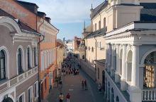 黎明之门和圣母玛利亚小礼拜堂体验,感受不一样的民族风情  上个月我们一个部门的同事一起来到立陶宛旅游