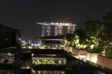 其实来新加坡旅游,很多小众景点都是免费的例如动植物园,例如空中花园。自由行的小伙伴可以考虑一下喔!