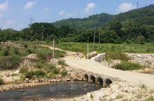惠州罗浮山周边的小村庄 地方确实不好找,弯弯绕绕 当然沿途都是美景,茂密的山林,青青的湖水,还有这般