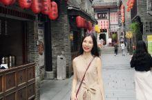"""东西巷(East West Street),位于靖江王城正阳门前,分别又称""""正阳东巷""""""""正阳西巷"""","""