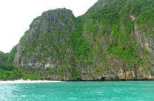 风景秀丽的玛雅湾,潜水爱好者的圣地  ▣ 相关信息 地址:Koh Phi Phi Le, Ko Ph