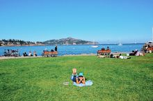 """【慵懒的索萨利托】 与旧金山市区仅一桥之隔的索萨利托小镇(sausalito)被人们称作""""旧金山的后"""