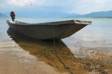 大广坝·美在深山无人问 她是一个水库, 常常被人拒绝, 以为没什么好看的。 她不是青海湖, 没有大气