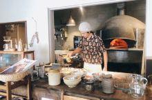 这样用古老的披萨制作和烘烤方法的小餐厅,与濑户内海艺术节举办地小豆岛文艺的气质,真的非常契合!非常精