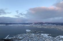 在函馆山上看百万夜景,差点把脑壳子冻掉了……