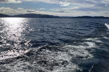 有一种蓝,叫峡湾蓝。 世界自然遗产保护区—新西兰神奇峡湾,每天上限进入游客不超过450人(含船员),