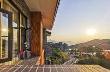 象窝山位于广东省云浮市新兴县,是苍穹之下的一片自然之地。这里有座禅茶博物馆,可以感受正宗的茶文化。当