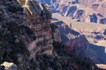 科罗拉多大峡谷和上羚羊峡谷一个恢宏,一个精致多彩,都需要亲临现场才能体会
