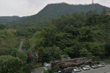 鹤山福朋喜来登环境还可以,隔壁就是大雁山风景区,还有方圆的楼盘。