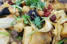 丹东新玛特地下的麻辣香锅味道很不错。