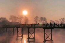 雾凇岛梦境丨如幻如梦冰雪仙境 雾凇有奇景,天然去雕饰 毕竟来人间一趟, 一定要行至远方,看灿日碧阳。