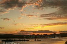 四川阿坝州若尔盖县,九曲第一湾漂亮的晚霞。