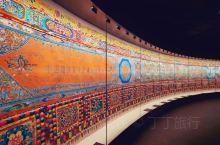 全世界藏文化最全的博物馆,《中国藏族文化艺术彩绘大观》它全长618米,宽2.5米,共绘制唐卡图案7
