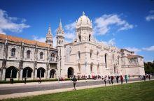 花园城市里斯本(五)这座宏大的白色建筑当地最显眼的地标,连同与其相连的圣玛利亚骑士团教堂,堪称人类中