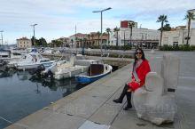 科佩尔Koper是斯洛文尼亚的美丽海港城市,非常值得游玩,静静地体会这个历史的文化古城。科佩尔港口是