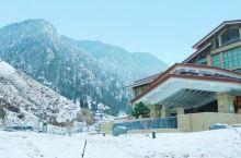 新疆康养度假聚集地,这个温泉酒店酒店值得你来!静谧安静,度个假刚好。 如果单泡温泉,98元温泉票,温