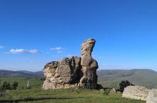 阿斯哈图石林,巨石林立,冰川雕刻。