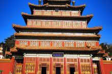 大佛寺,又称普宁寺,里边的千手千眼观音,是世界上最大的金漆木佛,高37米多,特别震撼,而且今天天气超