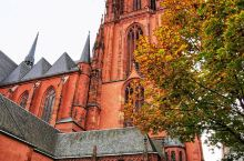 法兰克福是德国第五大城市及黑森州最大城市,德国乃至欧洲重要工商业、金融和交通中心,位于德国西部的黑森