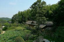 湖南省湘乡市,是一个美丽的地方,它的中沙镇高模冲,有一个著名的红军将领的故居,黄公略故居。这里是一个