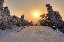 仙境般的琉璃王国---衡山雾凇  【景点攻略】 详细地址:衡山又名南岳,位于中国湖南省中部偏东南部。