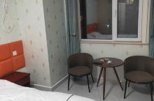 潍坊·山东  优家客房,真的很干净也很舒适,服务态度一流。有种回到家的感觉,很温馨。