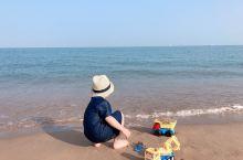 新品拍摄于海口.澄迈老城温德姆酒店外沙滩,从酒店步行500米到达沙滩,一望无际的大海,小朋友和大孩子