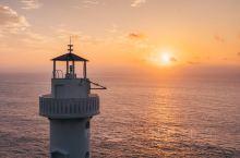 大概去嵊泗六井潭的都想和灯塔来一张美美的日出剪影吧,想象终归是美好的,事实就是根本找不到一个好机位。