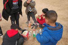 还在吗的乐趣 自助火锅 小孩们比大人都会玩了 有空多去农村呆呆 给孩子不一样的童年 感受一下不同的氛