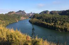 翔龙湖是丹霞山风景区的核心所在!有山有水方为天上人间,韶关地区一年四季风和日丽,温暖如春!徜徉在翔龙