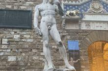 听米开朗琪罗,讲到最代表作大卫像收藏在意大利佛罗伦萨艺术学院美术馆 竖立在广场上的大卫像一定是最具代