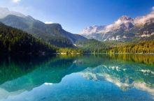 去 贝加尔湖 已是一七年三月。彼时恰好有一段相对空闲的时间,而且如果再晚一些去的话,可能就看不到传说