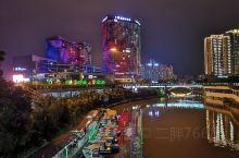 乾州世纪广场夜景。