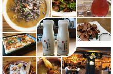 给大家推荐束河古镇的一家专业做云南丽江地地道道特色美食的店,经典老字号,明星到丽江基本上都要打卡的一