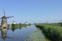 小孩提防风车群,Kinderdijik,荷兰鹿特丹以南。 19座抽水风车,也叫圩地风车,不同于东部的